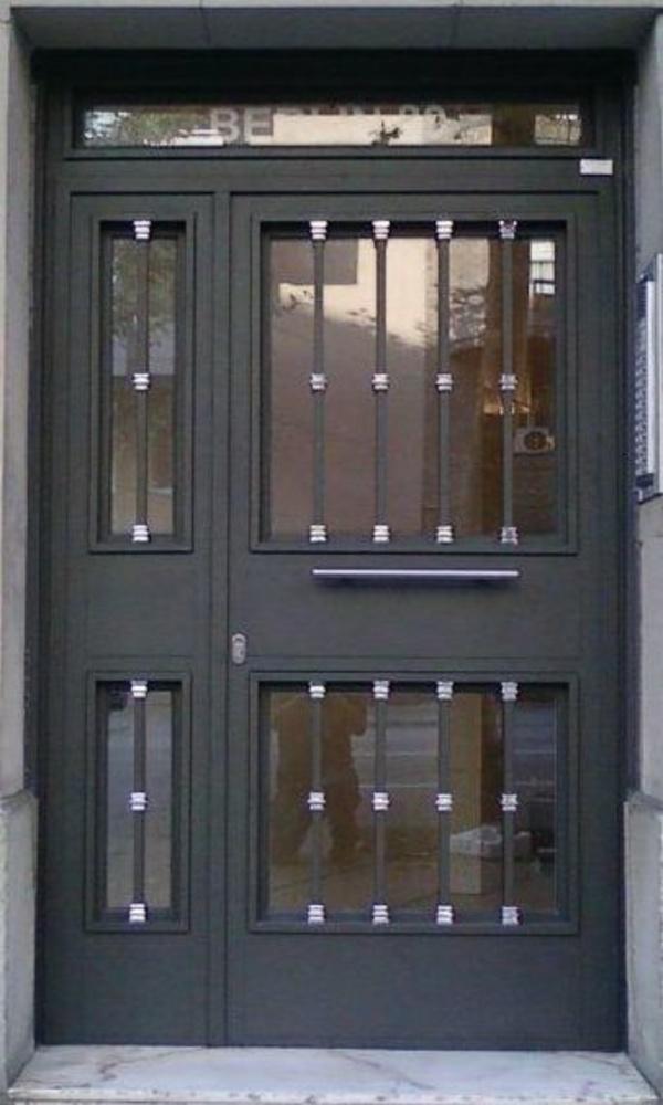 Puertas de hierro : Especialidades   de Comercial Reyes