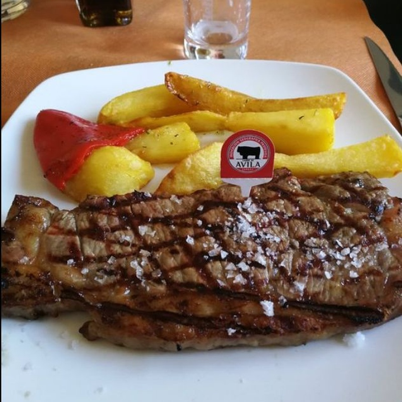 Carnes, parrilladas, platos combinados y hamburguesas: Carta de La Manduca de Ávila