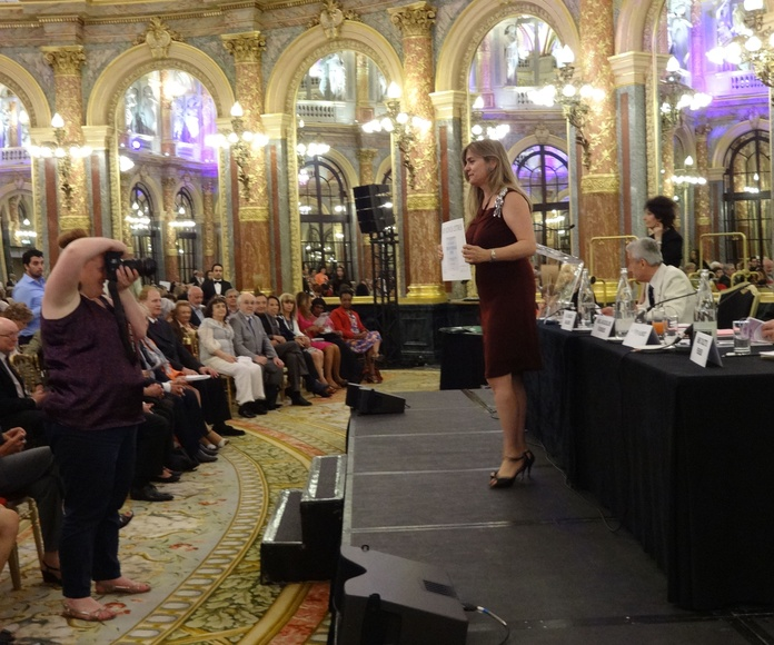 Entrega de la medalla de Estaño en la sede del Gran Hotel de la Opera de Paris
