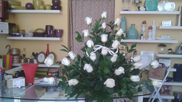 Centro rosas blancas 2: Productos de ARTE Y JARDIN