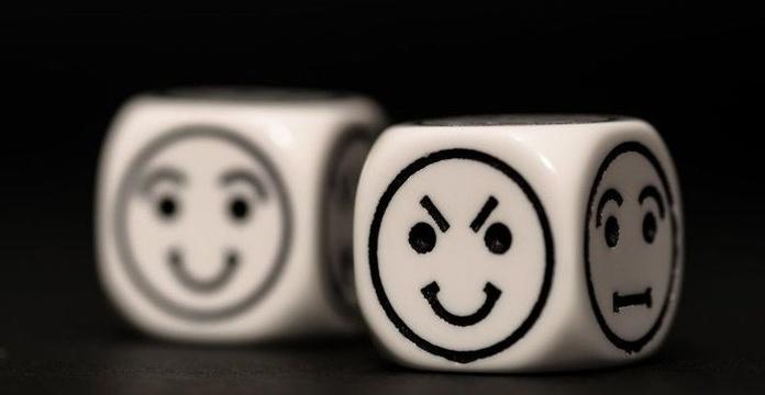 Personas pasivo-agresivas, sonrisas que esconden veneno