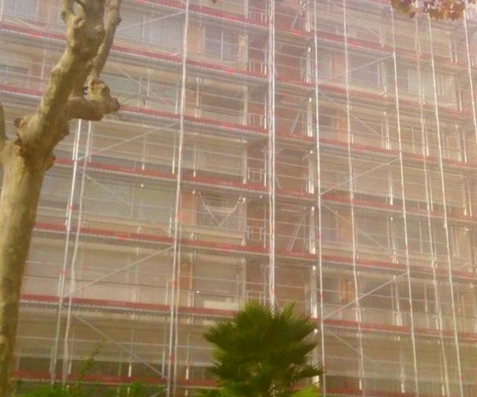 Alquiler andamios fachada: Alquiler de andamios de Andamios Omega 2005