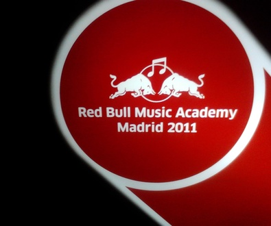 Diseñamos la imagen gráfica para Red Bull