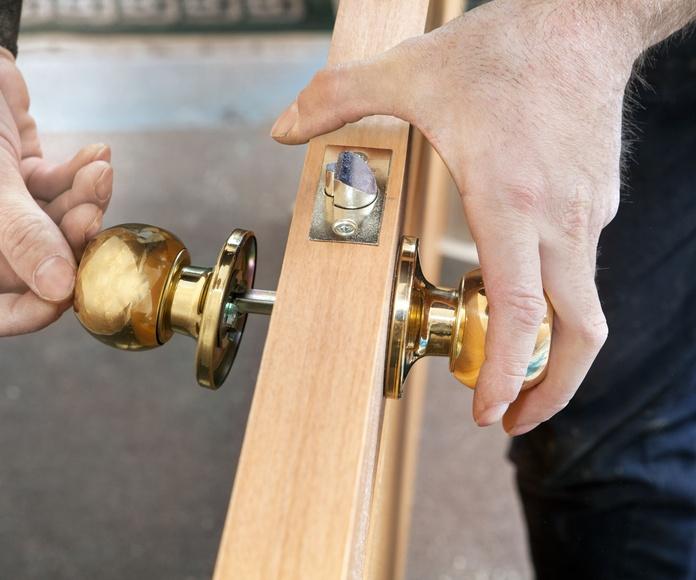 Puertas: Servicios de Fustería Ponsa