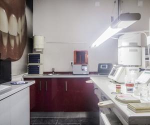 Especialistas en prótesis dentales en Jaén