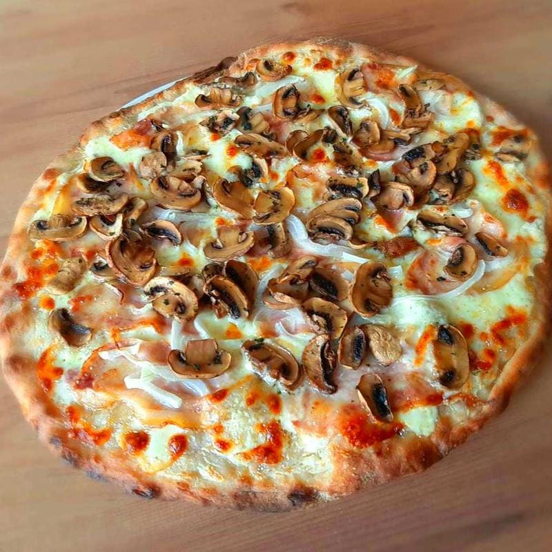 PIZZA CARBONARA : Nuestras Pizzas de Pizzería Las Tres B