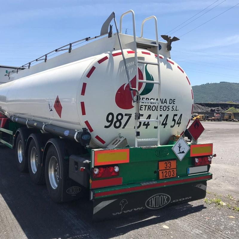 Transporte de cisternas de gasóleos y gasolinas: Servicios de Silvano S.A. - (Carbones y Transportes)