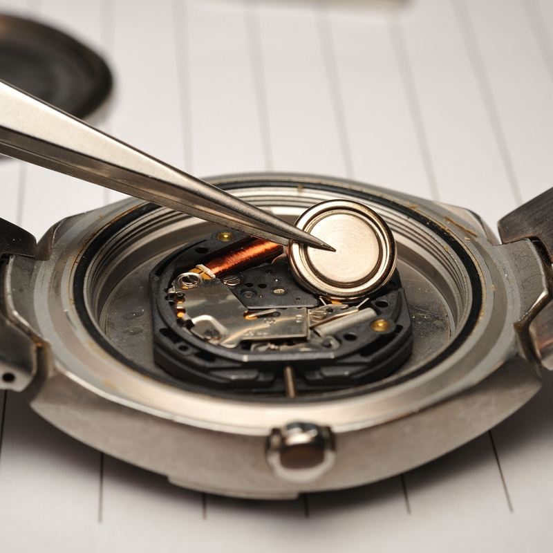Cambio de pilas de reloj: Servicios de Euro Melgar 100