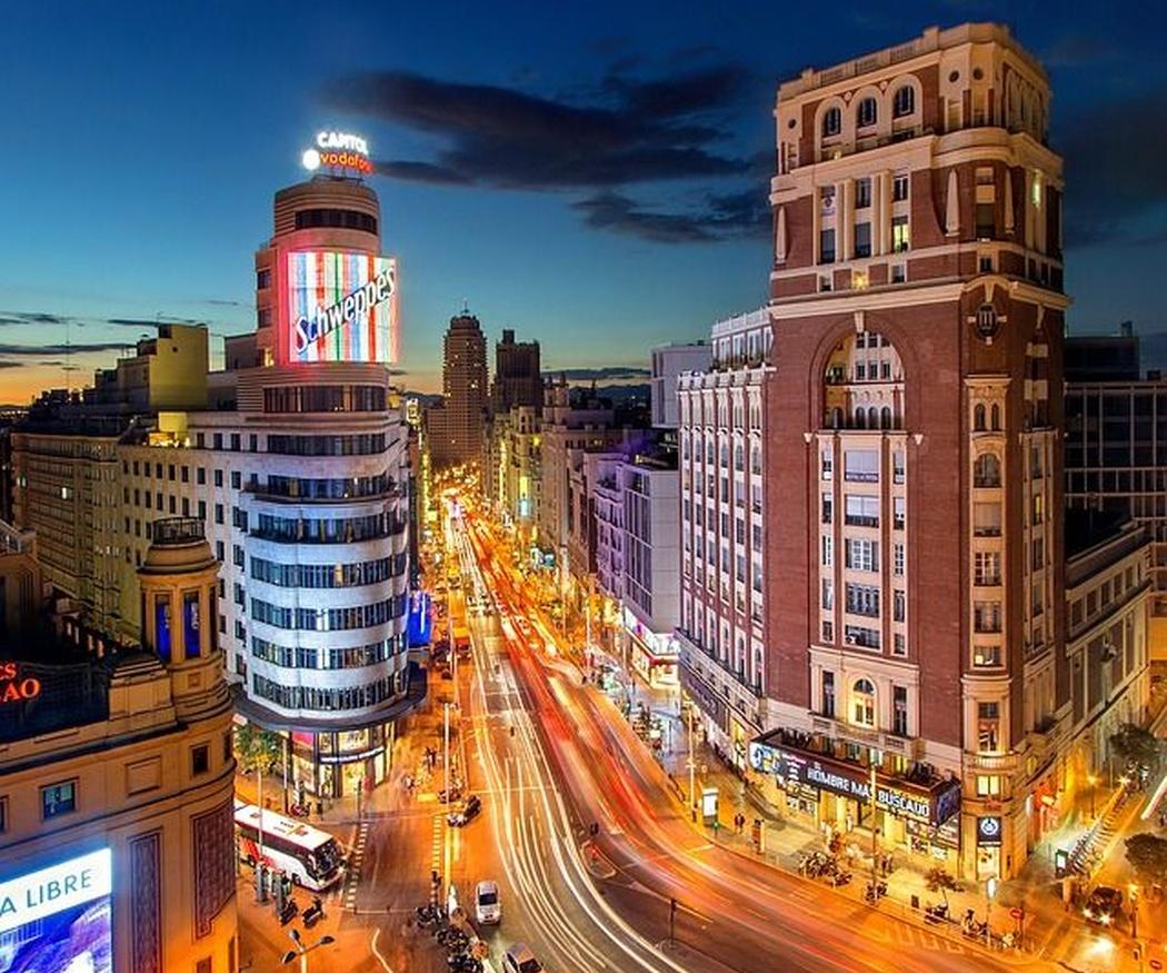 Ejemplos de lonas publicitarias de gran tamaño en Madrid