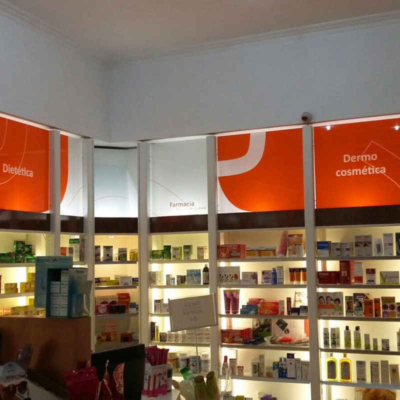 Especialistas en Diseño de Farmacias: Productos y Servicios de Display Cash & Carry