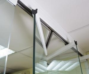 Cortinas de cristal para oficinas en Málaga