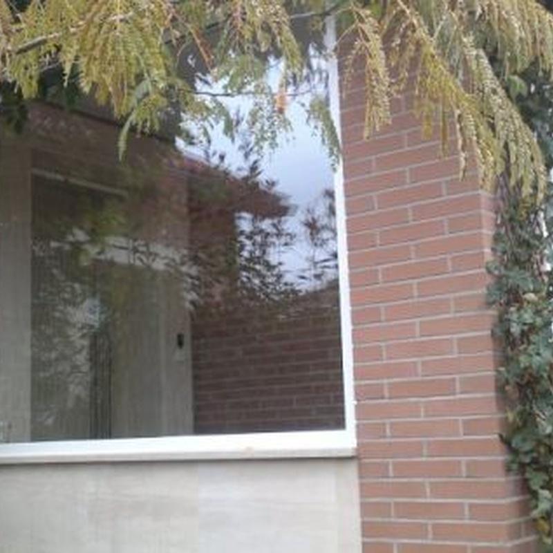 Puertas: Productos de Carpintería Metálica Alcarreña, S.L.