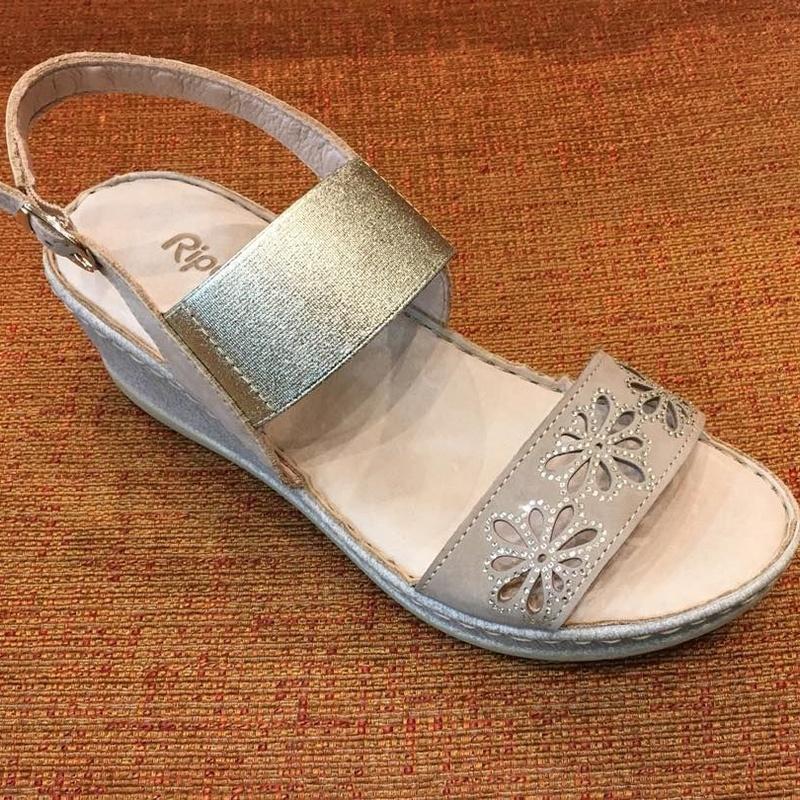 Sandalia de la marca Riposella: Catálogo de Calçats Llinàs