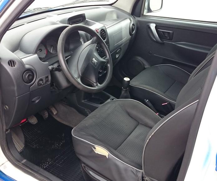 Peugeot Partner 2.0 HDI 90 cv. Combi Plus: Servicios  de Autotaxi Eliseo