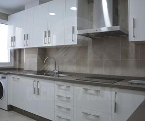 Fabricación, distribución y montaje de muebles de cocinas