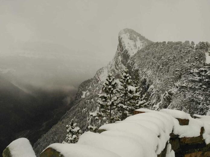 Nieve en el mirador del Molar, Valle de Ordesa. Fotografía realizada por Alba Hita en de Octubre 2018.