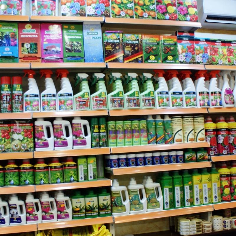 Todo el cuidado para sus plantas y arboles : Servicios de Floristería Contreras