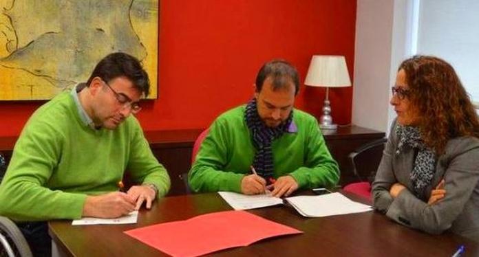 Convenio entre Ayuntamiento de Azuqueca y COCEMFE