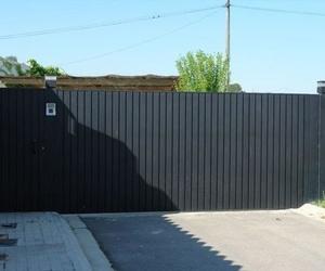 Puerta automática de garaje