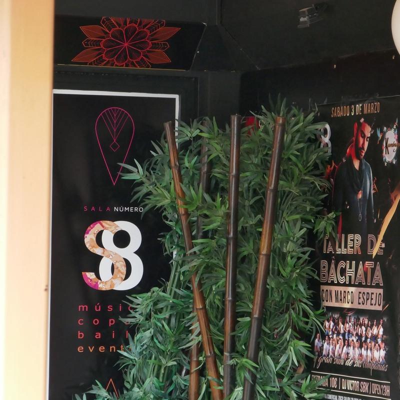 Sala 8: Tiendas de Zoco Villalba