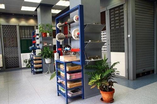 Más de 60 modelos de cierres y persianas en Enrique Barrio, Madrid