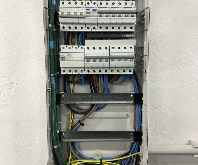 Certificaciones de instalaciones eléctricas: Servicios de Electricidad Adoza