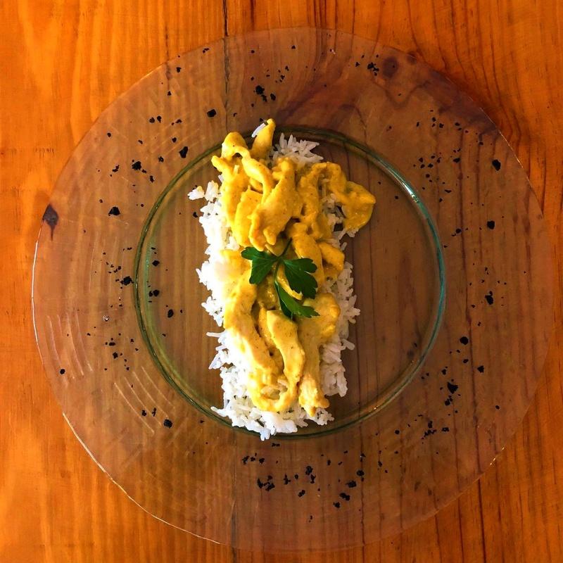 Pollo campero al Curry con arroz basmati: CARTA y Menús de Alquimia