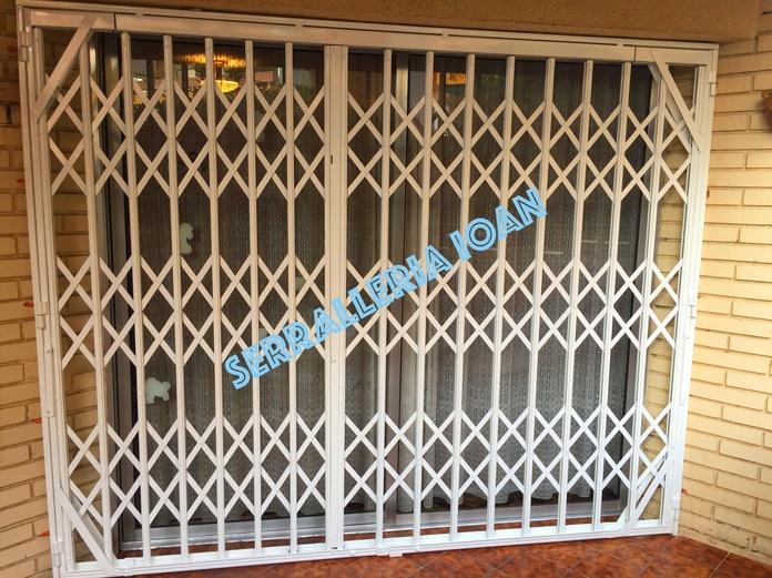 Puerta Ballesta: Productos y servicios de Serrallería Ioan