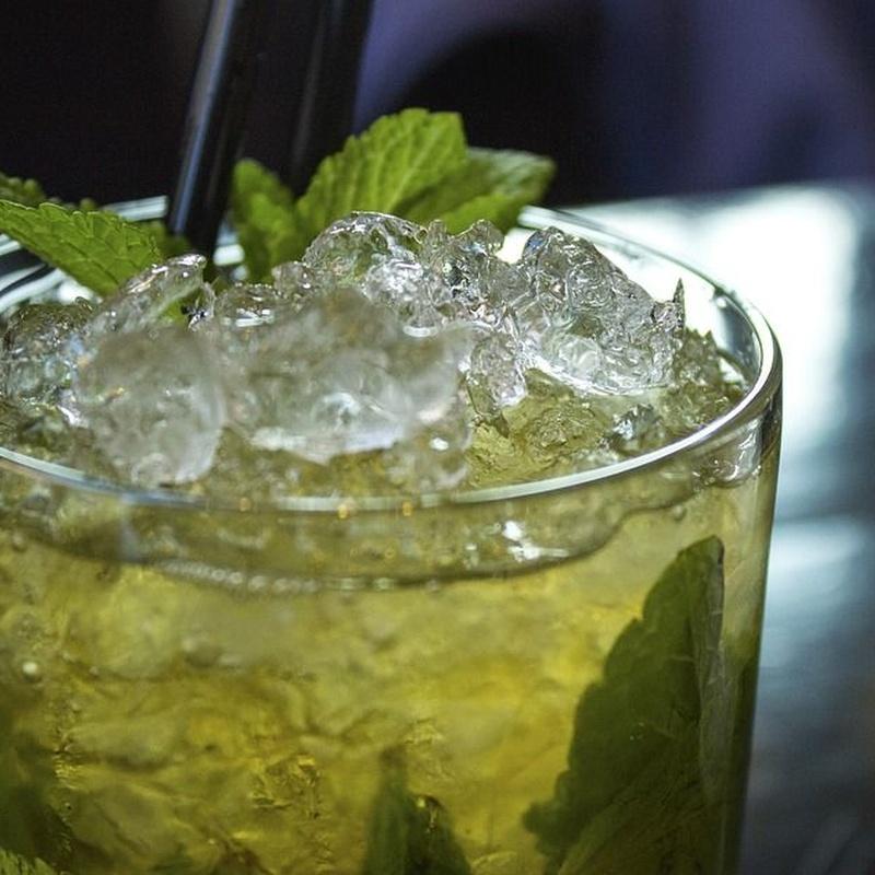 Cocktails & Long Drinks: Our letter de Restaurante Escaleritas