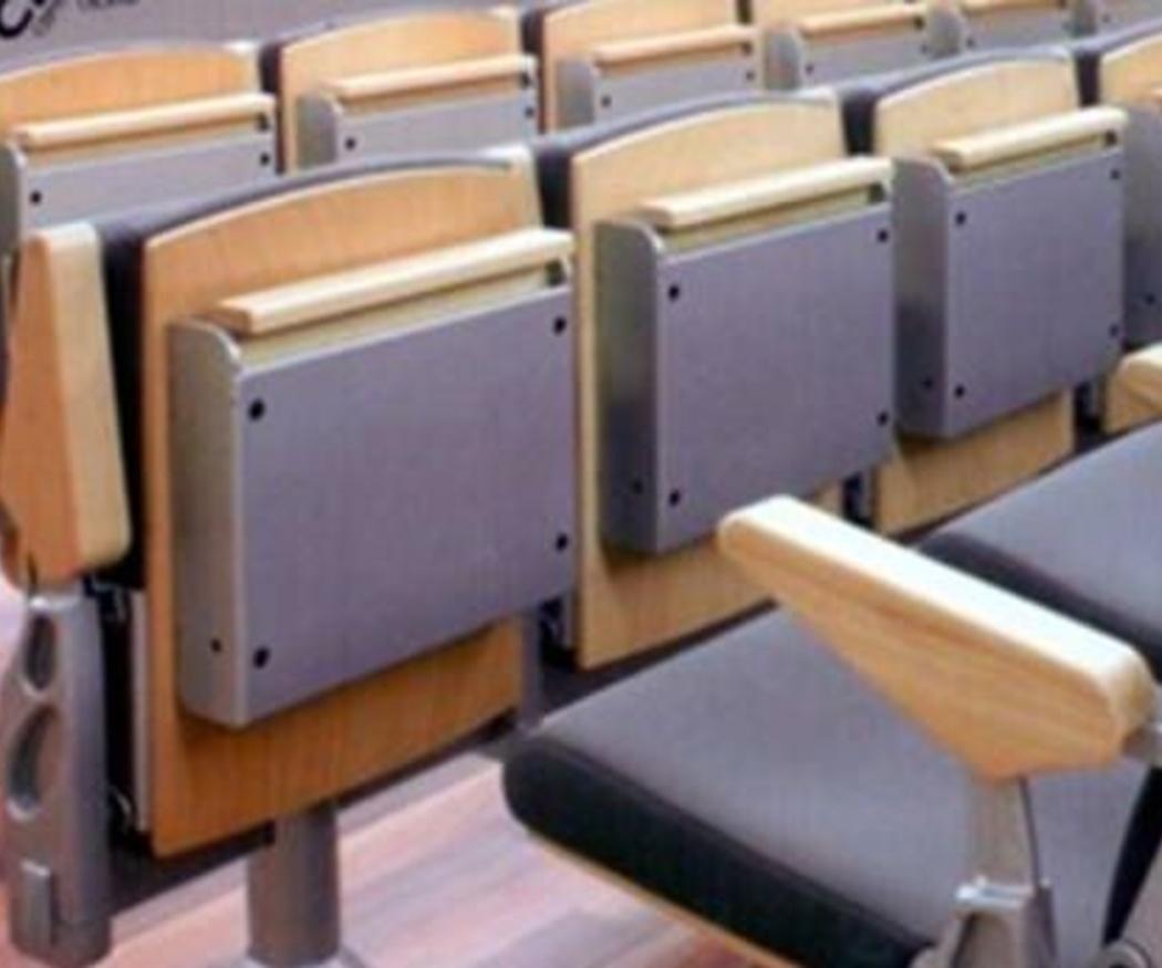 ¿Cómo deben ser las sillas de las universidades?