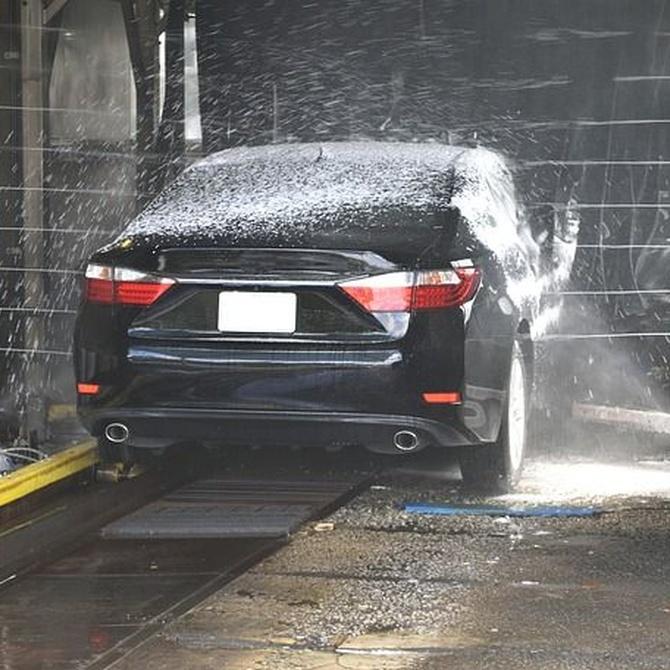 Ventajas y desventajas de lavar tu vehículo en un túnel de lavado
