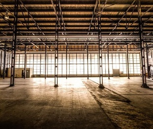 La importancia de un buen pavimento industrial