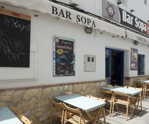Restaurante con terraza para 40 personas en calle peatonal