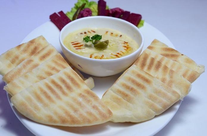 Aperitivos con pan de pita libanés: Servicios de Cedar's Bread