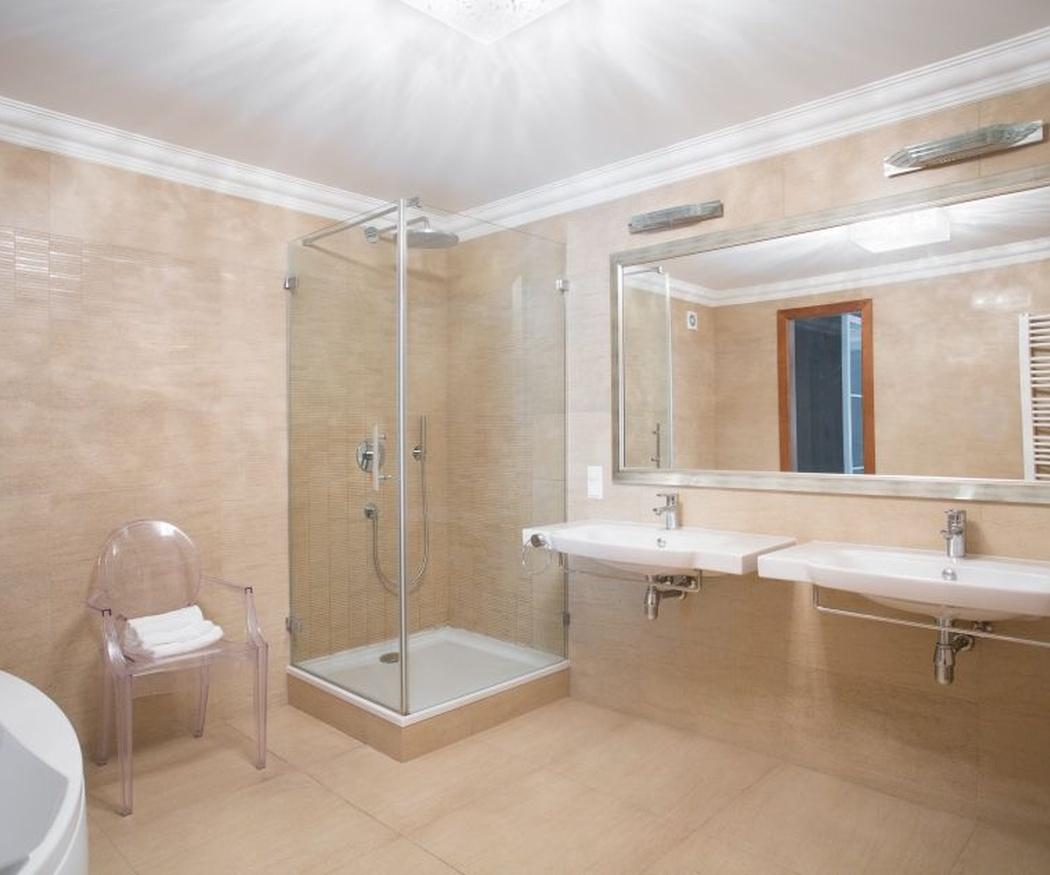 Por qué deberías cambiar tu bañera por un plato de ducha