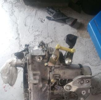 Limpieza de piezas de vehículos