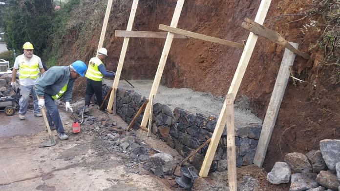 Muros de contención: Servicios de JGE Obras Civiles y de Edificación