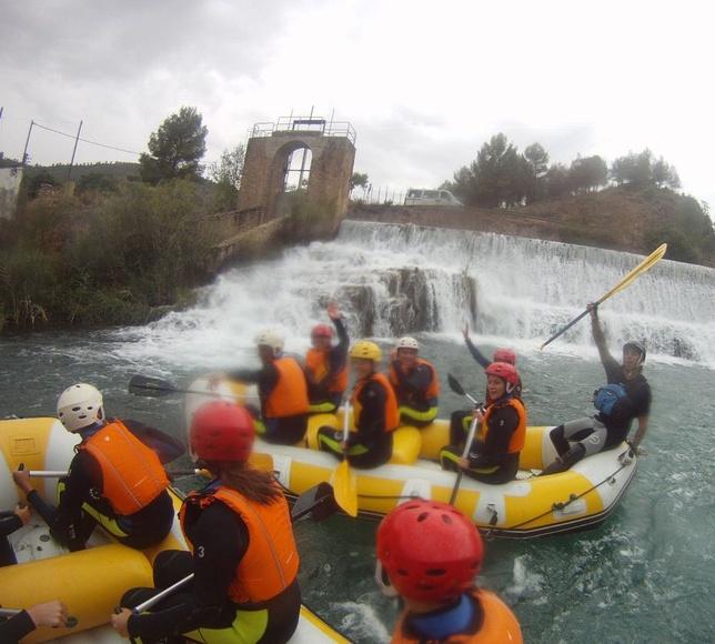 Rafting Hoces del Cabriel: Servicios de ESCAPE AVENTURA