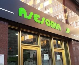 Vinilos para escaparates en Asturias | Face Rotulación