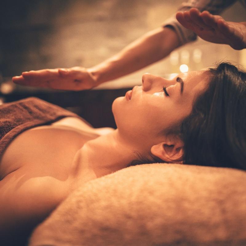 Reiki, reflexología del pie o masajes: Servicios de Farmàcia Biel Rull