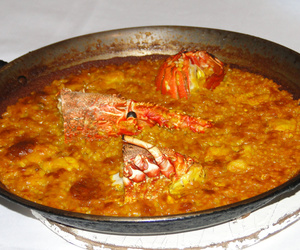 Paella de langosrta