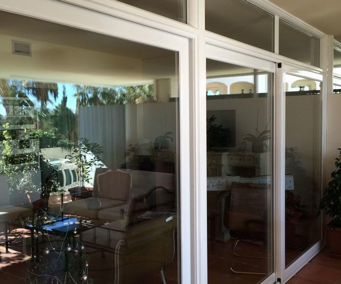 Puerta corredera elevable con fijo superior: Catálogo de Aluminios Aludecor Marbella