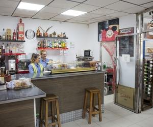 Cepsa Cajiz. Cafetería, bar y restaurante