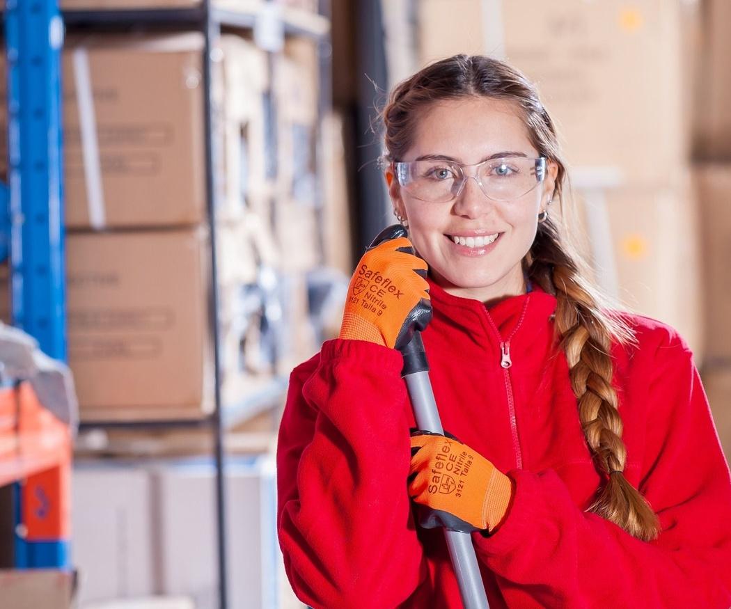 Razones por las que contratar empresas de limpieza para los negocios