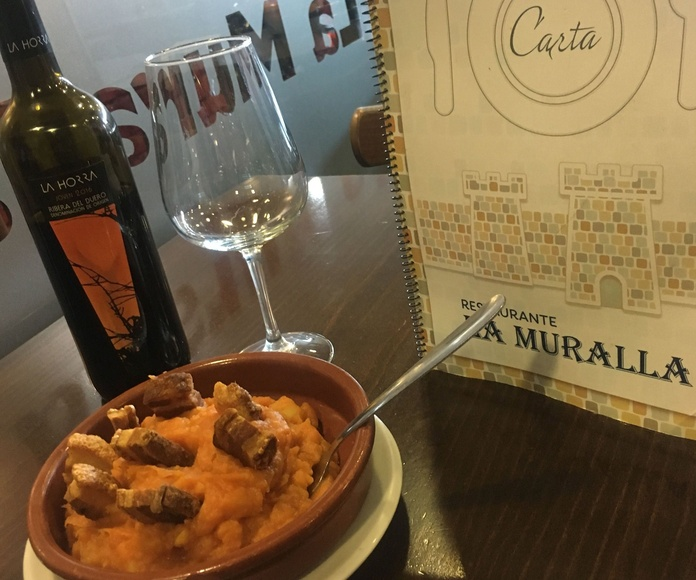 Patatas revolconas con torreznos, barrio de las tablas Madrid, menú del día, carta, especialidad de la casa, Telecinco, restaurante, cafetería, bar de cañas