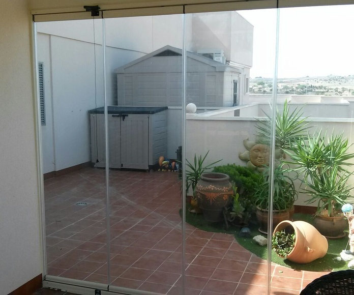 Cortina de cristal abatible: Productos de Tech Glass Systems