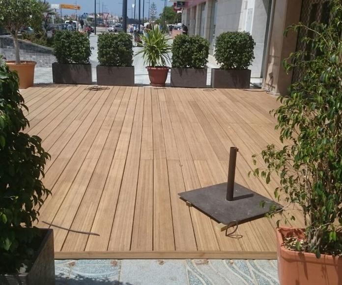 Tarima de Bambú en terraza de restaurante de San Pedro de Alcántara, Marbella (Málaga) por Instaladordetarima.com