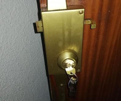 Cambio de bombin de cerradura tesa de seguridad
