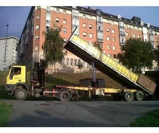 Camión grúa volquete