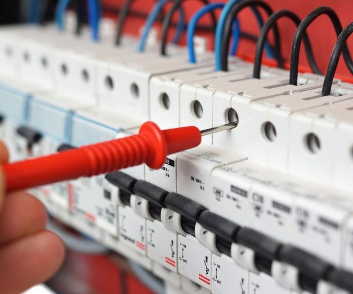 Electricidad: Servicios de Conastur Serin